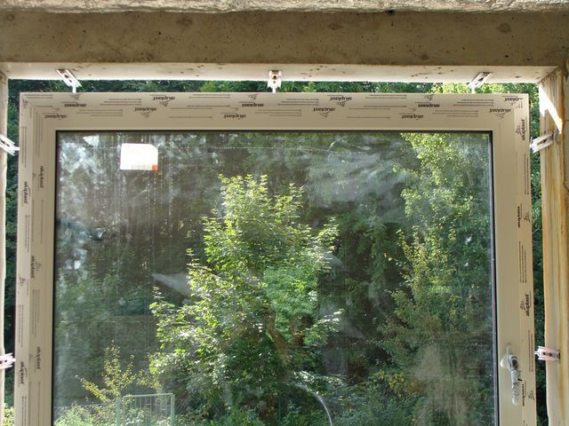 Wspornik boczny JB-D Okno połączone ze ścianą