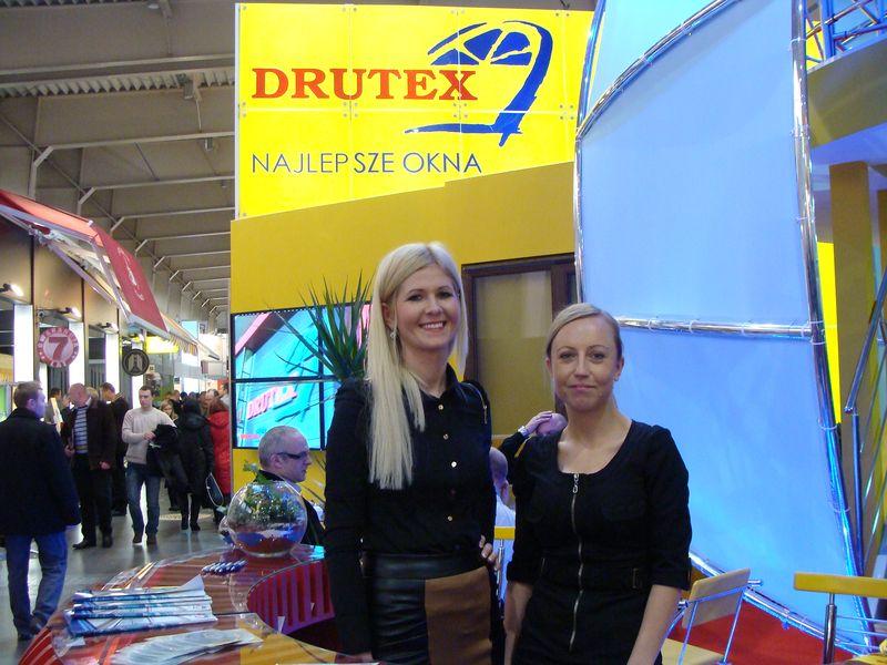 Uśmiechnięty dział marketingu Drutex