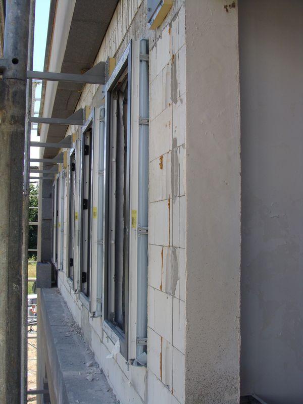 Okna zainstalowane w warstwie ocieplenia - połączenia mechaniczne