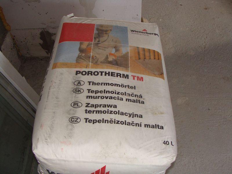 Zaprawa termoizolacyjna Porotherm TM – Wienerberger.