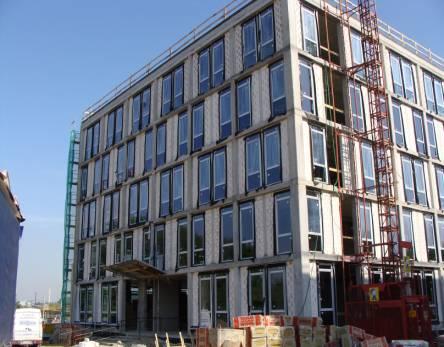 Widok ogólny na elewację jednego z budynków
