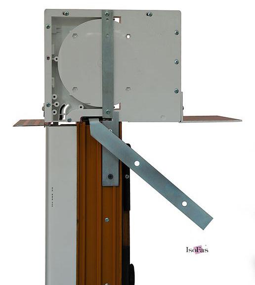 Montaż rolety nadstawnej do okna pcv. Przykład zamocowania zgodny z patentem firmy ISOFAS.