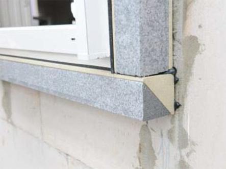 Okno PVC zamontowane w systemie MOWO uszczelnione taśmą rozprężną Trioplex+
