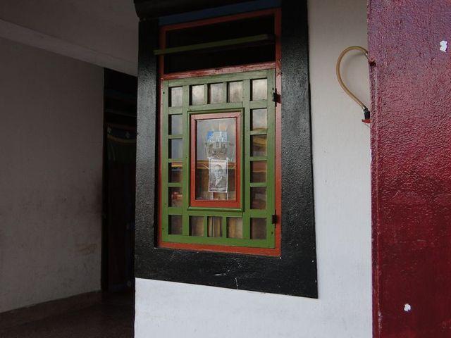 Okno w klasztorze Rumtek
