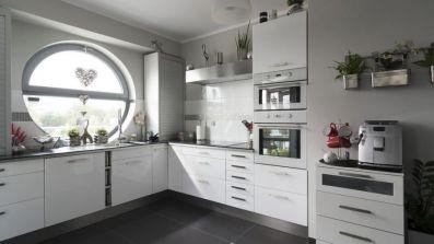 Owalne okno Drutex iglo 5 Classic w kuchni