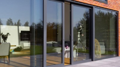 Wielkogabarytowe, aluminiowe drzwi przesuwne Yawal - idealne wyjście na taras