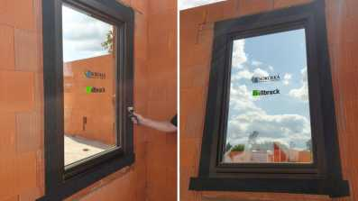 Okno zamontowane w pustaku ceramicznym Porotherm 25cm. Uszczelnienia wykonane środkami illbruck.