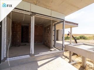 Montaż fasady oraz okien aluminiowych KAEMDE