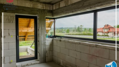 Prawidłowy montaż okien PVC oraz aluminiowych drzwi przesuwnych HST