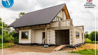 Prawidłowy montaż okien w domu jednorodzinnym koło Skawiny