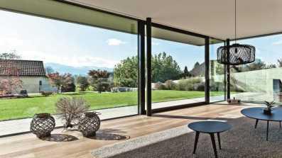 Drzwi przesuwne Reynears CP155. Projekt: Daluz Gonzalez Architekten. Zdjęcie: Peter Baracchi