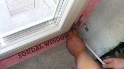 Szczelny montaż okien Soudal SWS