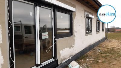 Prawidłowy montaż czarnych okien i drzwi - Giżycko
