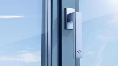 Minimalistyczny design okna LUM'UP - pasuje do nowoczesnych jak i klasycznych wnętrz