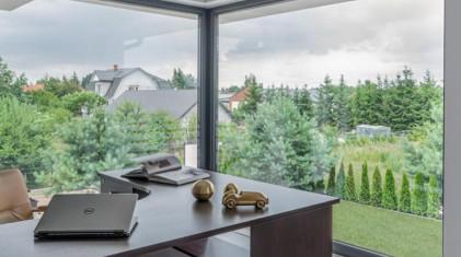 Narożne okna i drzwi tarasowe - efektowna ozdoba domu
