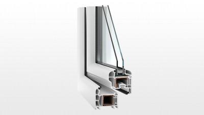 Okno PCV Witraż V70 Swingline o zaokrąglonych liniach