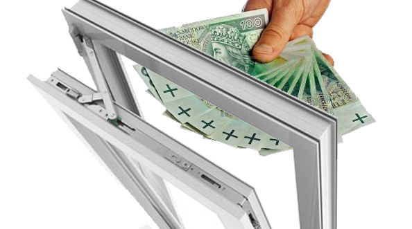 uchylone okno i pieniądze